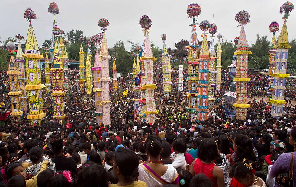 חגיגה מסורתית של שבט פנאר בהודו (צילום: AP)