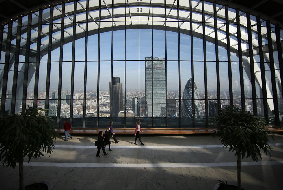 הוא מציע בשלוש הקומות העליונות את Sky Garden - מתחם מסעדות וברים יוקרתיים עם נוף עוצר נשימה של לונדון (צילום: Gettyimages)