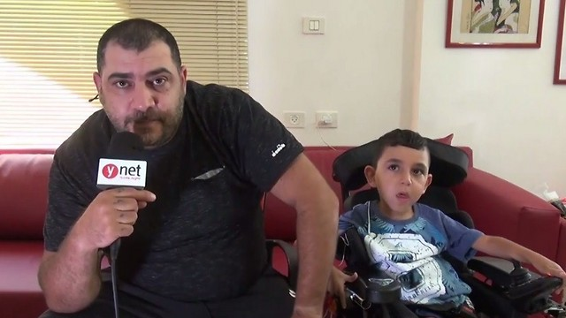 """""""הרופאים לא נתנו לו לחיות עד גיל שנה, ועכשיו הוא בן 5.5"""". שליו ואביו אלדד ()"""