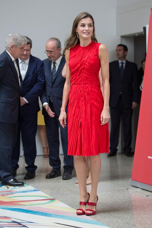 בשמלה של נינה ריצ'י: לטיסיה מלכת ספרד  (צילום: Gettyimages)