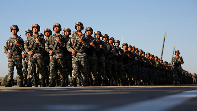 שולחים מזון ויחידות צבאיות לסוריה. צבא סין (צילום: רויטרס) (צילום: רויטרס)