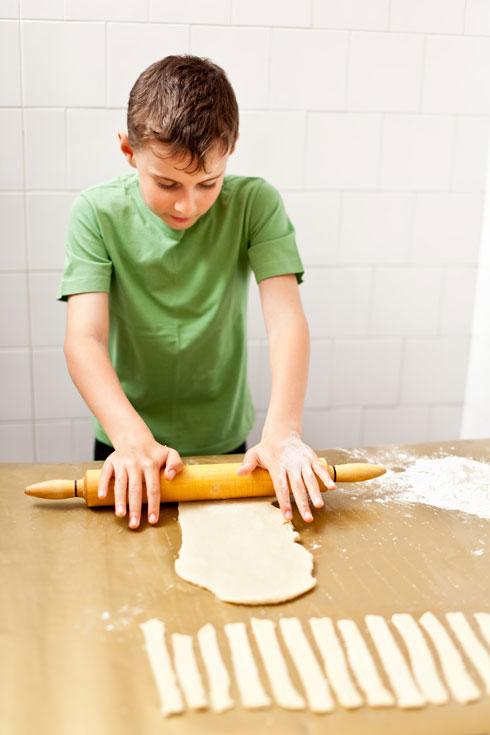 כל ילד שנכנס למטבח מתמודד עם מגוון של פעילויות שמחזקות את יכולותיו המוטוריות  (צילום: Shutterstock)
