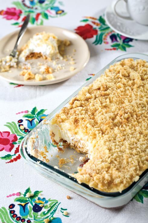 עוגת שמנת עם פירורים. רכה ועשירה (צילום: בועז לביא, סגנון: ענת לבל)