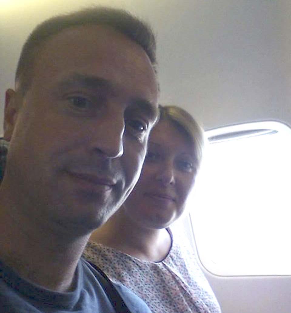 Светлана и Сергей в самолете по дороге в Израиль