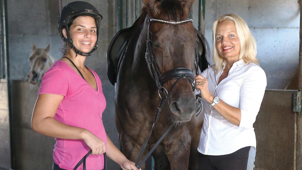 האם השכולה חדלה לרכוב, והבת חזרה למכביה עם הסוס המנצח
