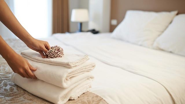 עובדי המלונות יקבלו תוספת שכר, שתחולק בשלוש פעימות (צילום: shutterstock) (צילום: shutterstock)