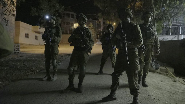 IDF soldiers in Yatta (Photo: IDF Spokesperson's Unit)