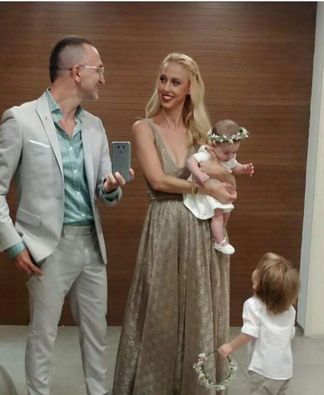 משפחה יפה. שלום מיכאלשווילי וענבל שלוי עם ארי ורומי (אינסטגרם)