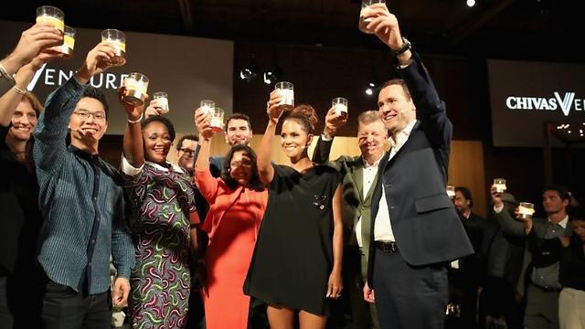 החגיגות אחרי ההכרזה על המנצחים (צילום: שיבאס וונצ'ר)