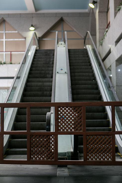 המדרגות כבר לא נעות (צילום: שירן כרמל)