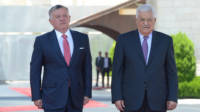 Jordan's King Abdullah with PA President Mahmoud Abbas (Photo: Getty Images)
