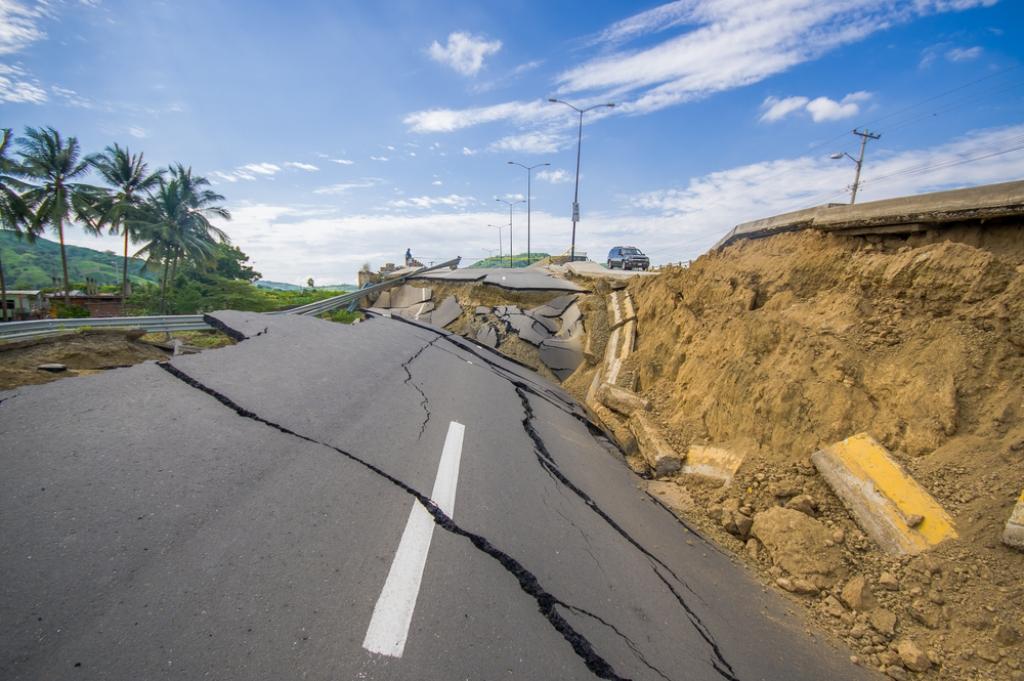 מנזקי רעידת האדמה. אקוודור (צילום: Shutterstock)