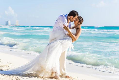 רוצים לחגוג את אהבתכם? בכיף, אבל מה רע בנובמבר? (צילום: Shutterstock)