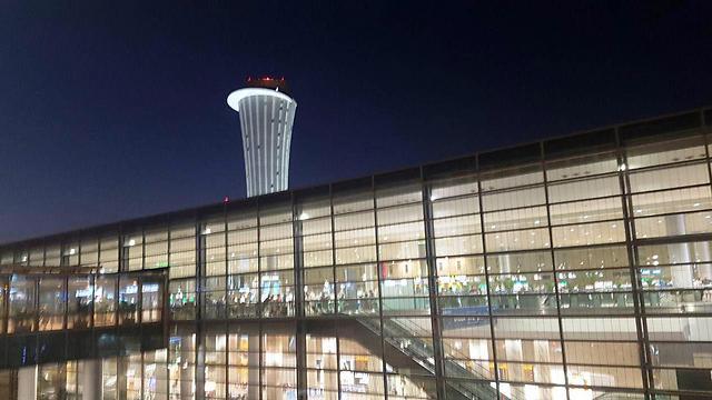 """נתב""""ג - אחד משדות התעופה המובילים בעולם (צילום: עמית קוטלר)"""