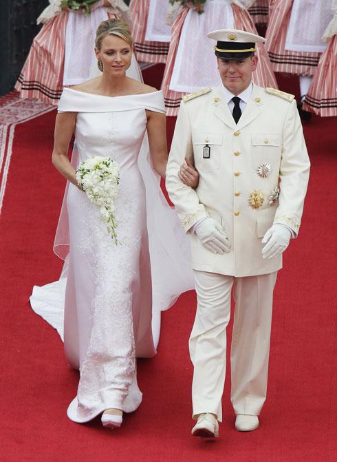 הימים הנועזים פחות: שמלת כלה סולידית של ג'ורג'יו ארמאני (צילום: Gettyimages)