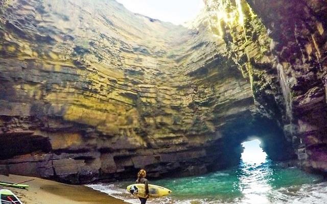 המערה הסודית