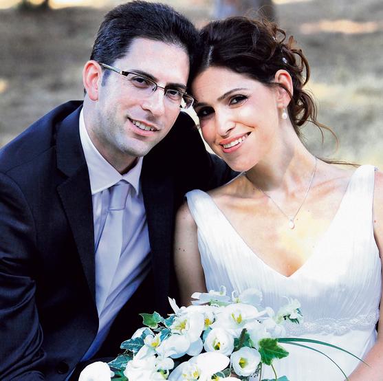 """עם בעלה ירון, ביום חתונתם. """"הוא אמר לי, 'מה שתחליטי, אני לצידך'"""""""
