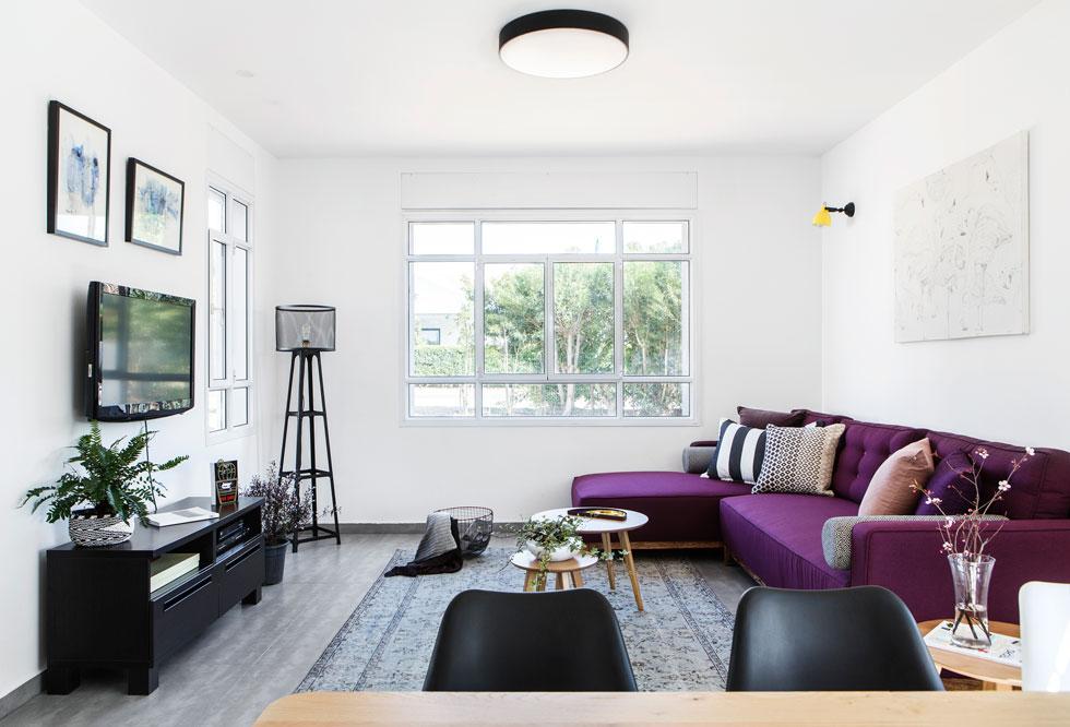 כל הרהיטים לסלון ולפינת האוכל נרכשו ברחוב הרצל בתל אביב, ב-10,500 שקלים (צילום: איתי בנית)
