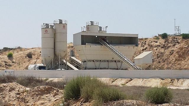 עבודות ההקמה בגבול (צילום:בראל אפרים)
