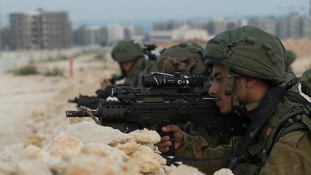 """חיילי גבעתי בתרגיל חטיבתי בפיקוד דרום (צילום: דובר צה""""ל)"""