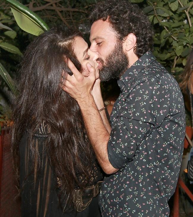 נשיקת יום הולדת (ענת מוסברג)