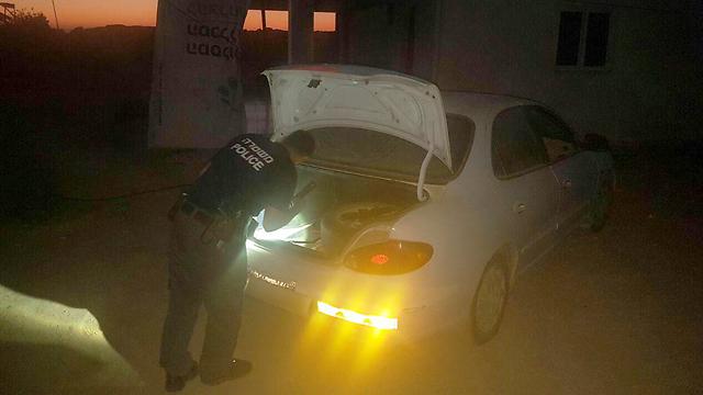 הרכב שבו נמצא הילד (צילום: דוברות משטרת ישראל)