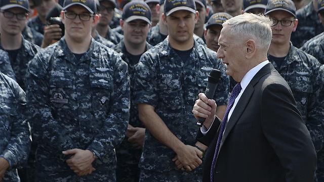 Mattis speaking to US troops (File photo: AFP)