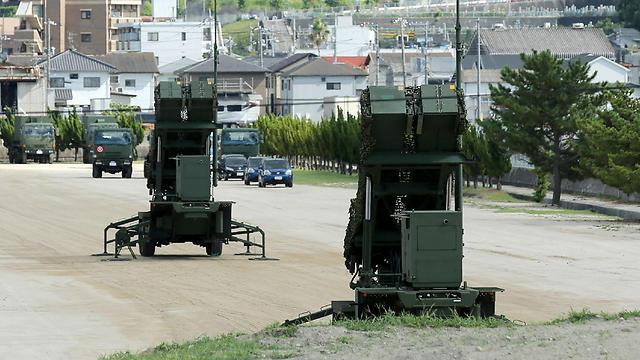 סוללות גם בהירושימה (צילום: AFP)