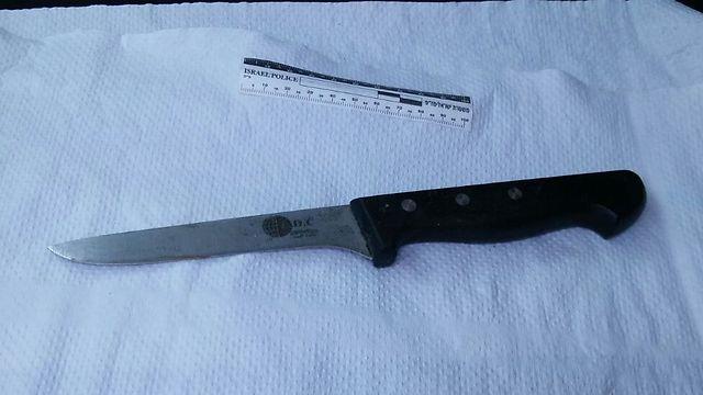 הסכין שנתפס בידי המחבלת (צילום: דוברות המשטרה)