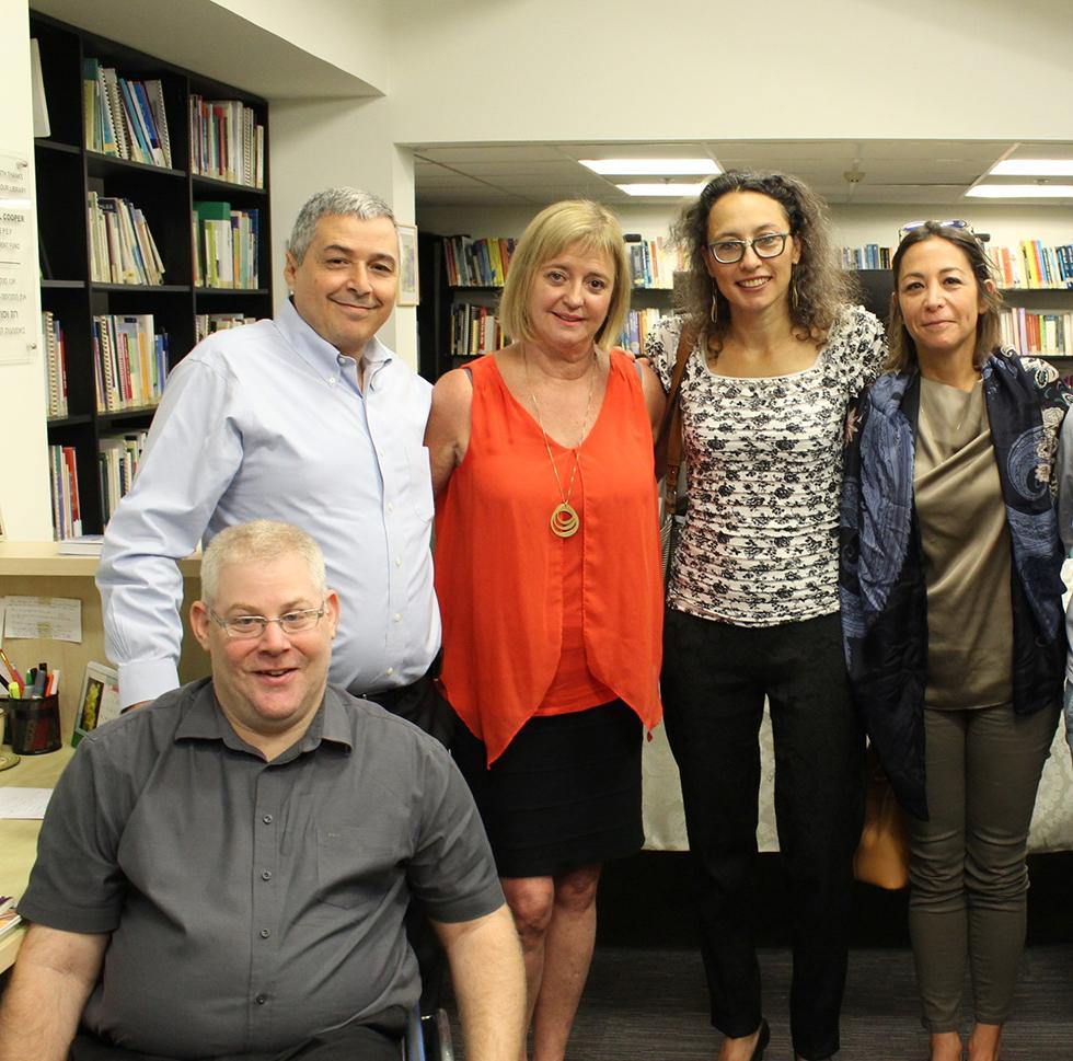 שלי אמיר, יעל אלמוג, ג'ין יודס, אריק פינטו ויואב קריים (מנהל שותף באיזי שפירא) (צילום: טל נאמן)