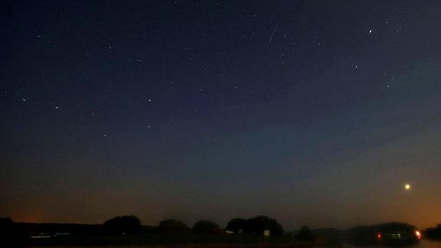 מטאורים בשמי בלרוס (צילום: רויטרס)