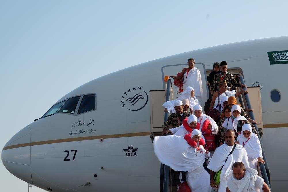 הלבוש הנהוג והמותר כיום לנוסעי החברה הסעודית (צילום: shutterstock)