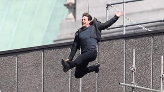 """הצילומים יידחו ככל הנראה בחודשיים. טום קרוז קופץ בין הבניינים ב""""משימה בלתי אפשרית 6"""""""