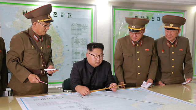 North Korean leader Kim Jong Un visits the Command of the Strategic Force of the Korean People's Army on August 15, 2017 (Photo: Reuters)