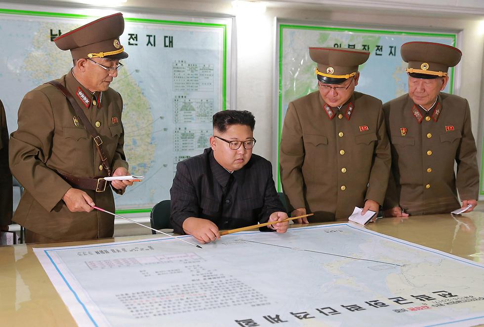 כישלון עם צפון קוריאה יביא בוודאות לכישלון במניעת הפצצה האיראנית. קים ג'ונג און (צילום: AP)