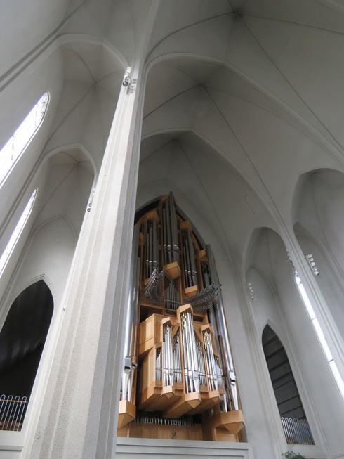 פנים הכנסייה צנוע (צילום: רחלי שרפשטיין)
