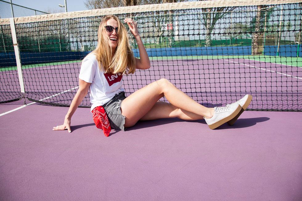 נעלי ספורט מככבות בעולם האופנה, וגם בשעות הלימודים. ספרינג (צילום: אלון ראובני -אלוניק)