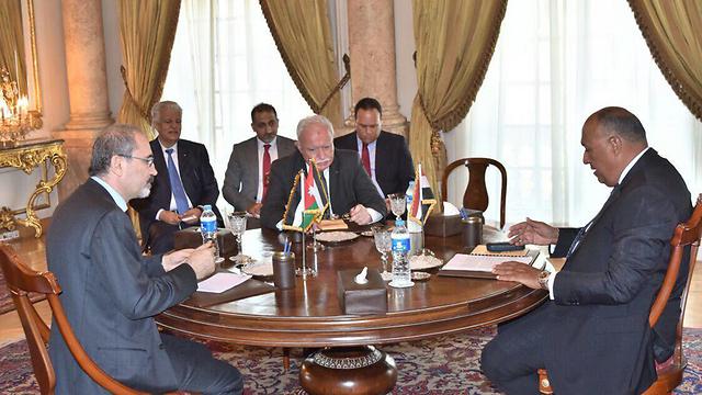 L to R: Jordanian FM Ayman al-Safadi, Palestinian FM Riyad al-Maliki and Egyptian FM Sameh Shoukry