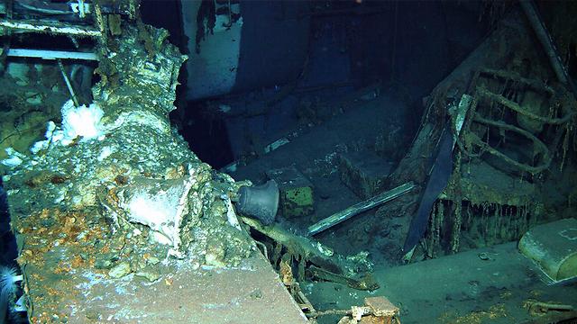 פעמון האונייה על קרקעית האוקיינוס (צילום: AP / Paul G. Allen) (צילום: AP / Paul G. Allen)