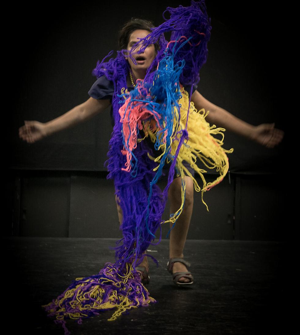 """""""אני יכולה להביא לבמה את הקרעים שלי"""" (צילום: אורלי וייל)"""