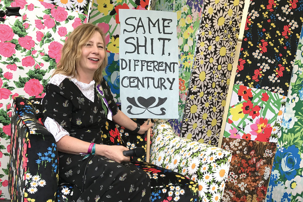 מחלקת האופנה של הפסטיבל היא הבייבי של שרה מוואר, עיתונאית ותיקה ומבקרת אופנה באתר ווג ושגרירה של המועצה הבריטית לקידום כשרונות צעירים (צילום: אהרן הוכברג)