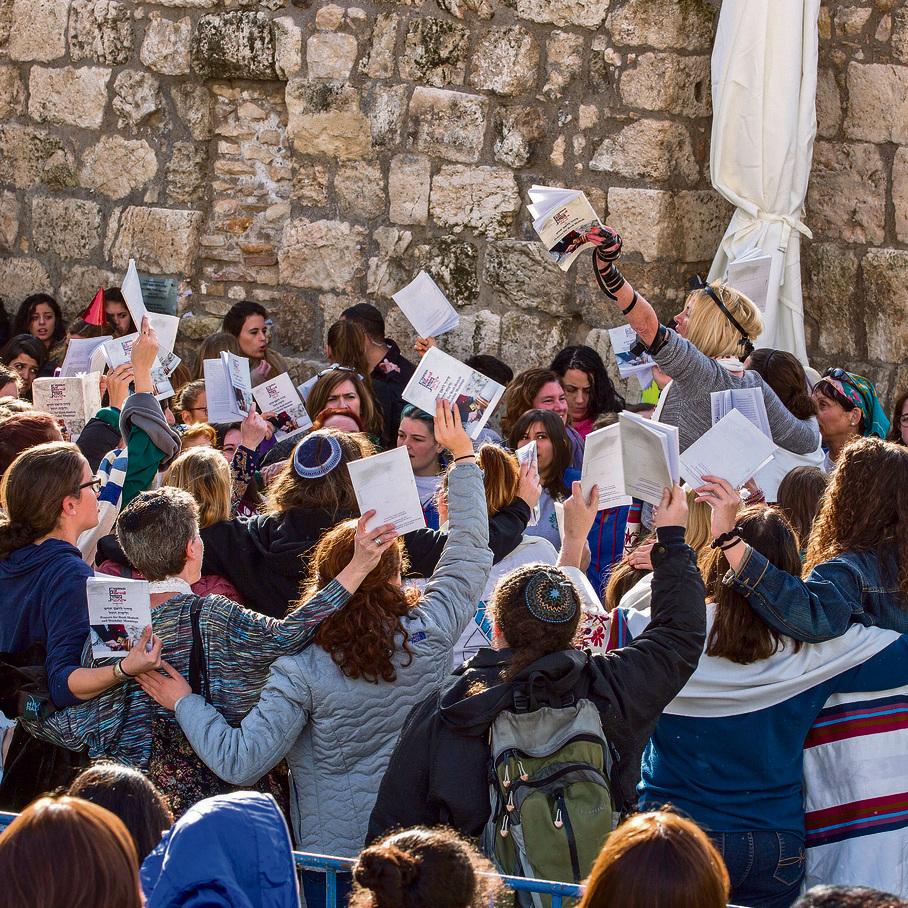 Reform Jews praying at the Western Wall (Photo: EPA)