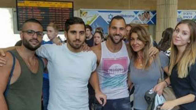 Hanna (R) with friends at Ben Gurion Airport, Israel in 2016