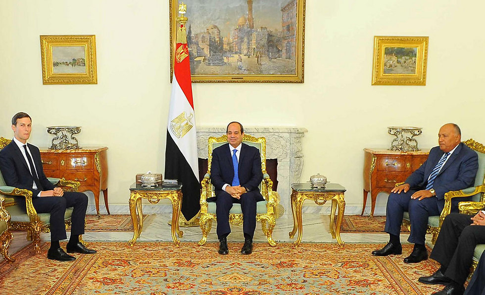 Kushner meets with Egytpian President Sisi to discuss the peace plan (Photo: EPA)