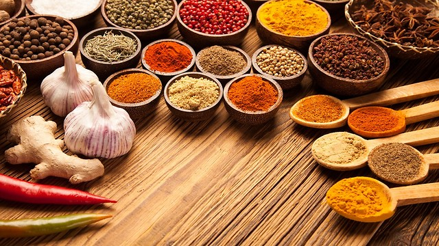 מזון ביתי חמים, צבעוני, מתובל ובריא. עקרונות הספר (צילום: shutterstock)