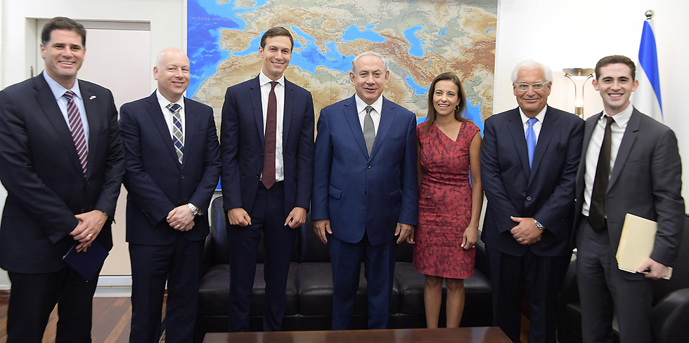 Netanyahu meets with Kushner, Greenblatt and the rest of the American delegation (Photo: Amos Ben-Gershom, GPO)