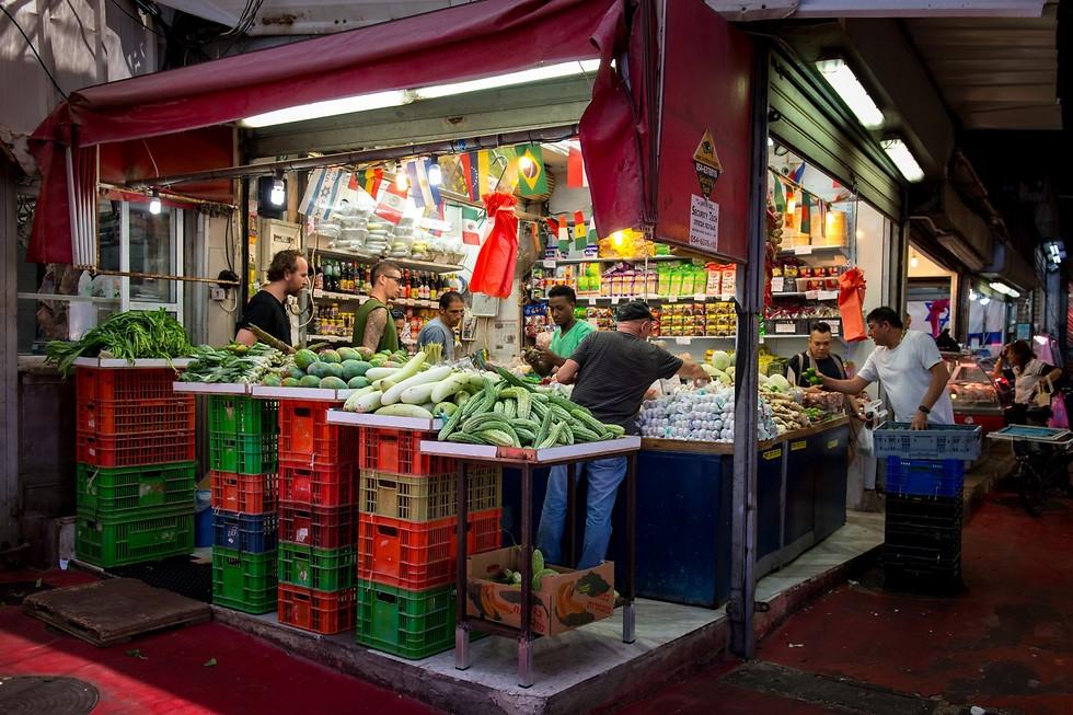 הדוכן התאילנדי בשוק הכרמל נמצא ברחוב הבשר (צילום: ירון ברנר)
