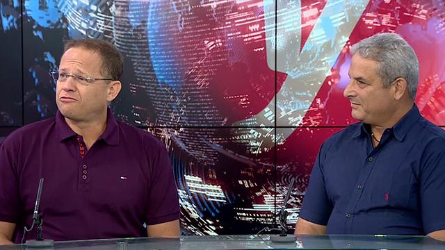 """יהודה דקל (מימין) ואסף הלר. """"המערכת לא קלה למורים"""" (צילום: אלי סגל)"""