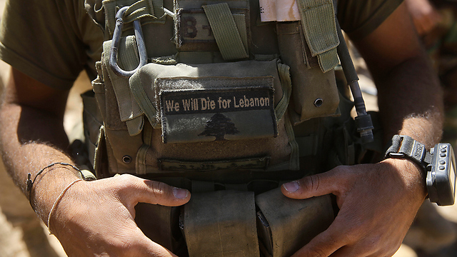 Lebanese soldier after the victory over ISIS (Photo: AP) (Photo: AP)