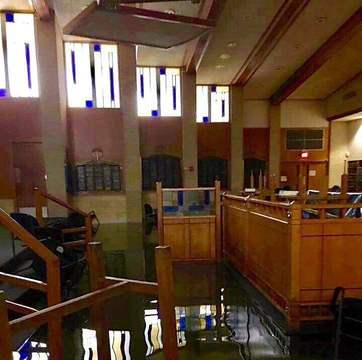 הרס נרחב: בית הכנסת האורתודוכסי המרכזי ביוסטון (צילום: רוברט לוי)